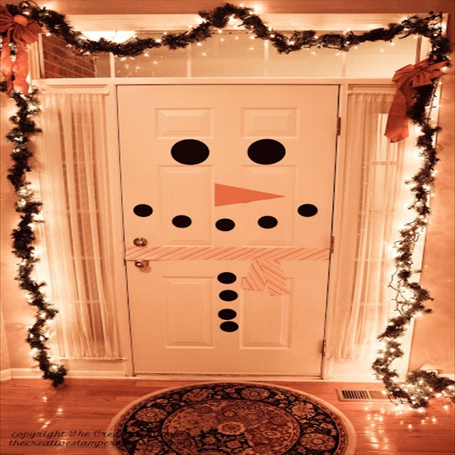16 budget friendly diy christmas door decorations diy for Diy christmas decorations for your home