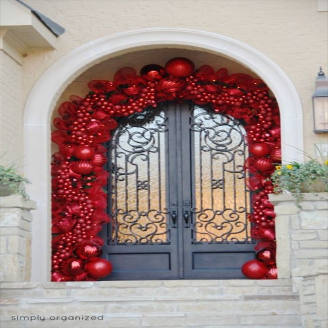Diy Christmas Decoration For Doors : Budget friendly diy christmas door decorations