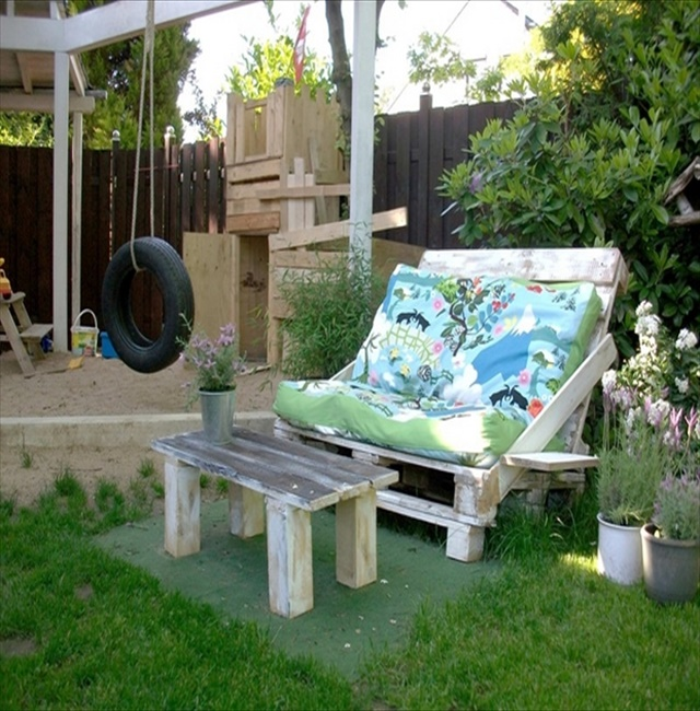 diy sofa 7 15 Very Interesting DIY Sofa Designs You Must See