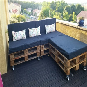Top 15 unique DIY Pallet Sofa Ideas