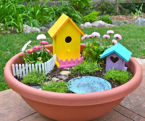 garden crafts 3 How to make beautiful DIY garden crafts without breaking bank