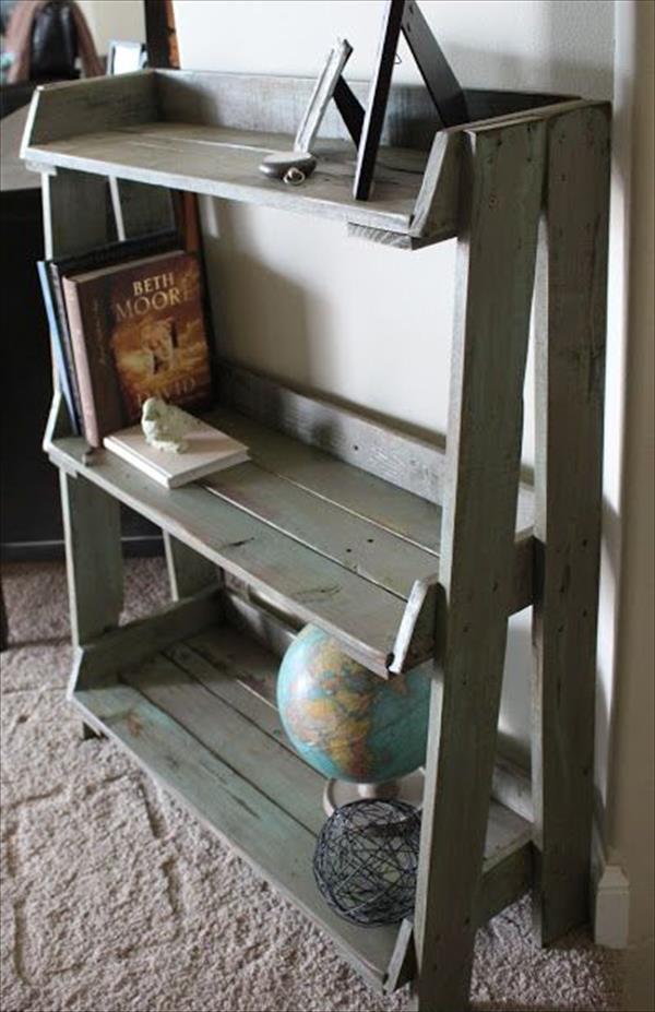 Pallet Hallway And End Table 17 DIY Furniture Ideas To Make Home Creative