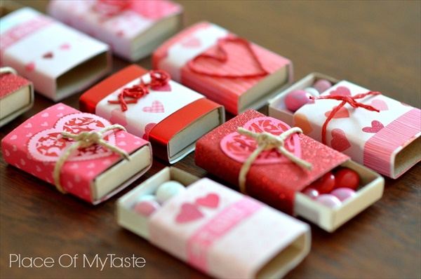 15 creative and cute homemade valentine gifts ideas you for Home made valentine decorations