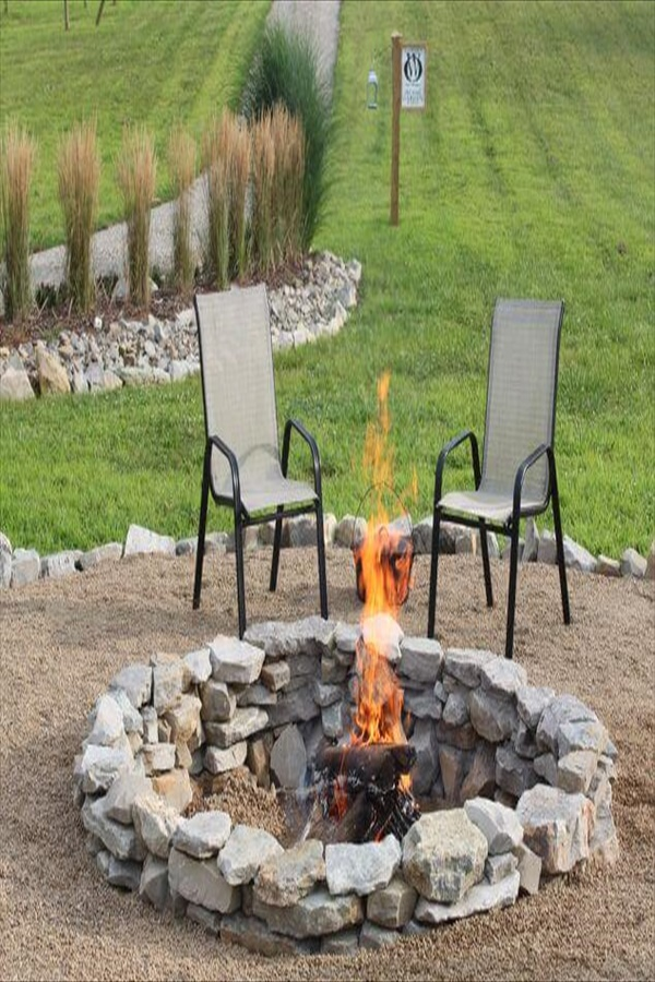 10 diy firepit ideas homebnc Easy and Functional DIY Fire pit Ideas to Make Your Backyard Beautiful