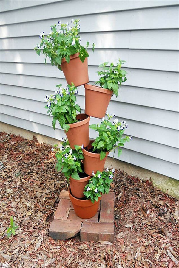 15 diy flower tower ideas homebnc DIY Flower Towers You Can Make Yourself to Beautify Your Yard