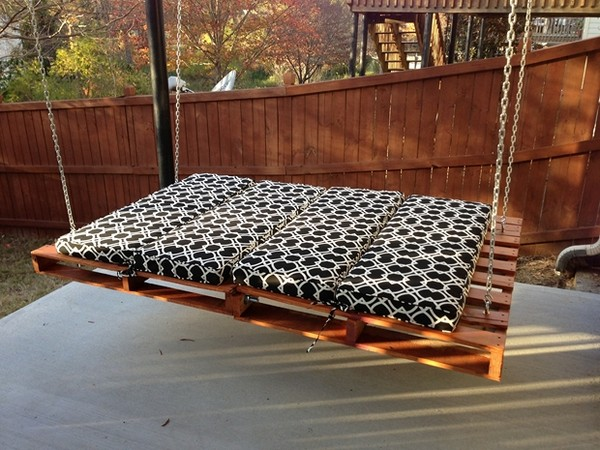 DIY Pallet Swing Bed Outdoor Pallet Furniture Ideas For Your Garden