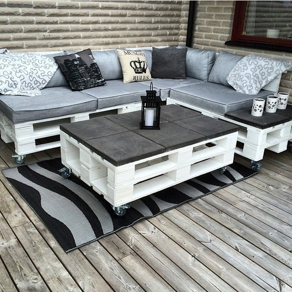 Furniture for pallets for living room Outdoor Pallet Furniture Ideas For Your Garden