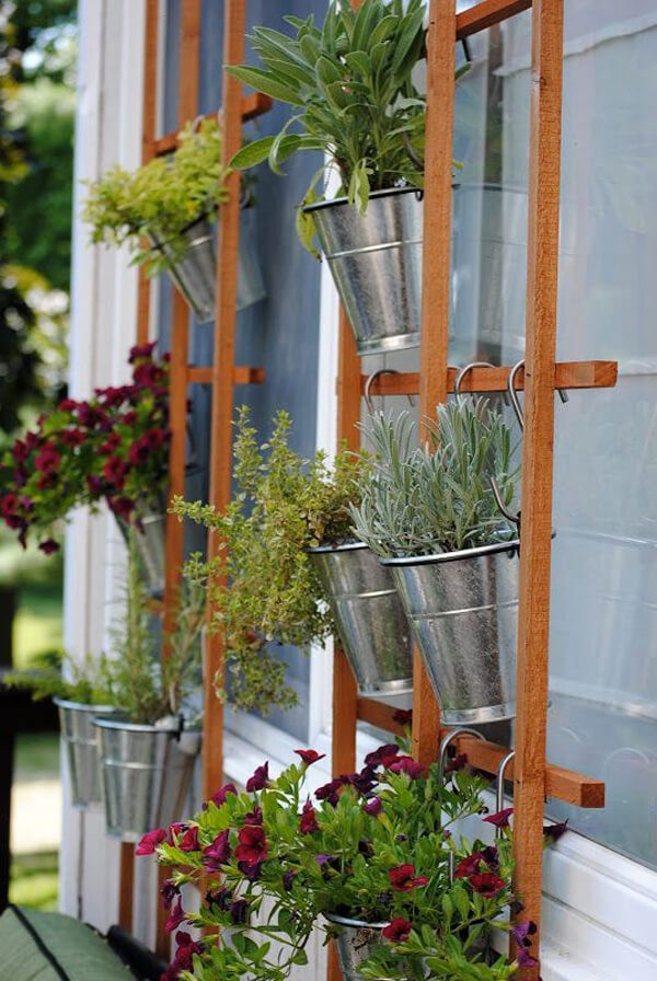 Porch-14-The-ART-In-LIFE Interesting DIY Ideas To Beautify Your Spring Porch