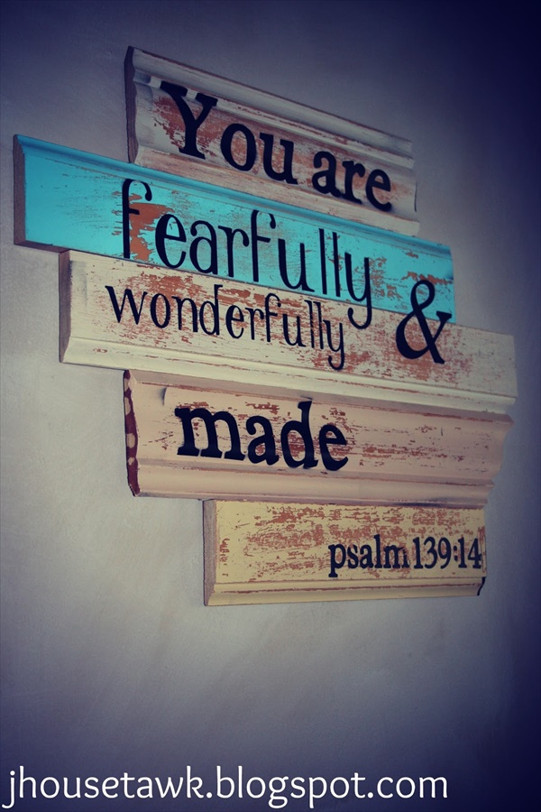03 wood signs ideas  Amazing Wood Sign Ideas That Will Give A Rustic Look To Your Home