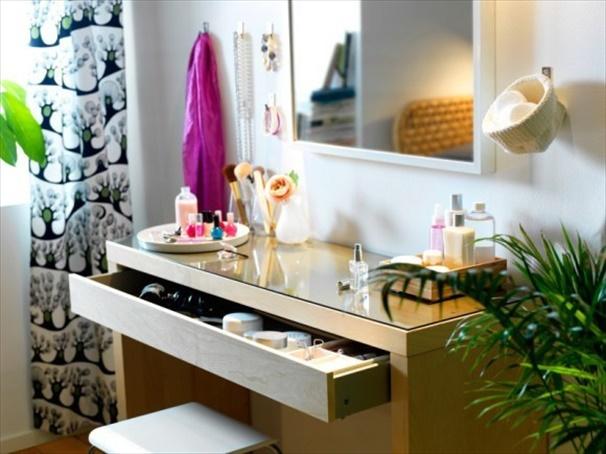 DIY Sideboard 4 Cheap DIY Makeup Vanity Table Ideas