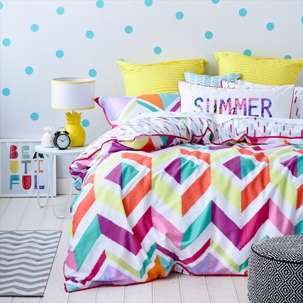 Colorful and beautiful bedroom look for your summer decor