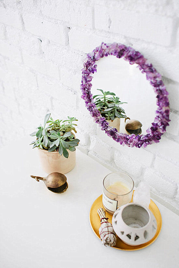 DIY mirror design with mineral