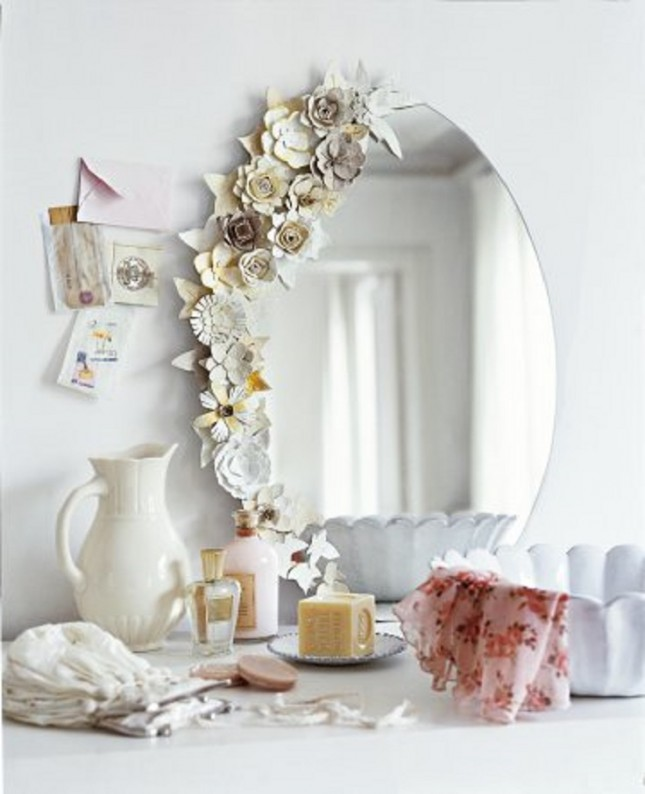 egg carton flower diy mirror frame - Decorate Mirror Frame